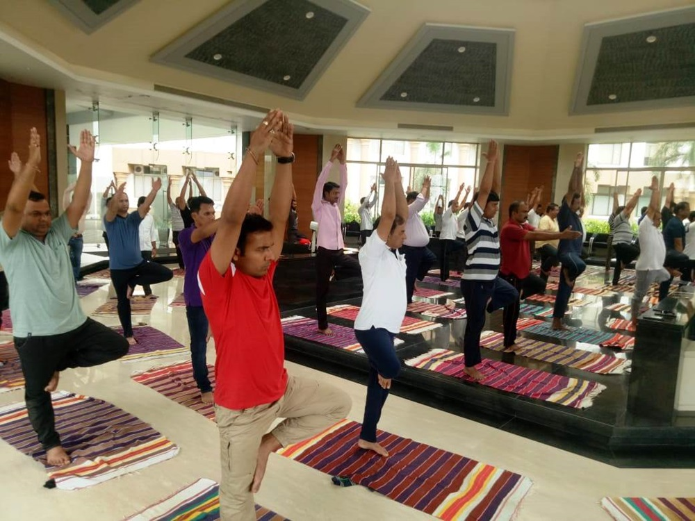 international yoga day pictures shirpur nmims 5